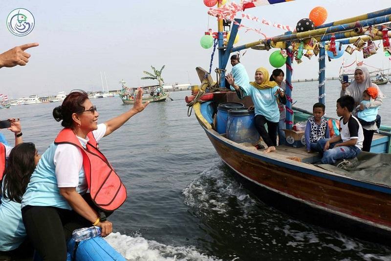 Kepada Nelayan, Menteri Susi Pamer Pasokan Ikan Laut Melimpah