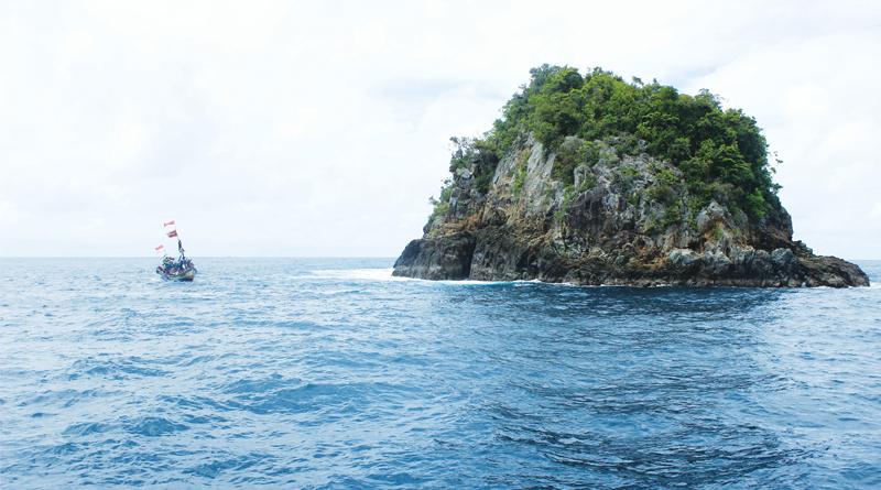 Bagaimana Potensi Mancing di Karang yang Timbul ke Permukaan Laut?