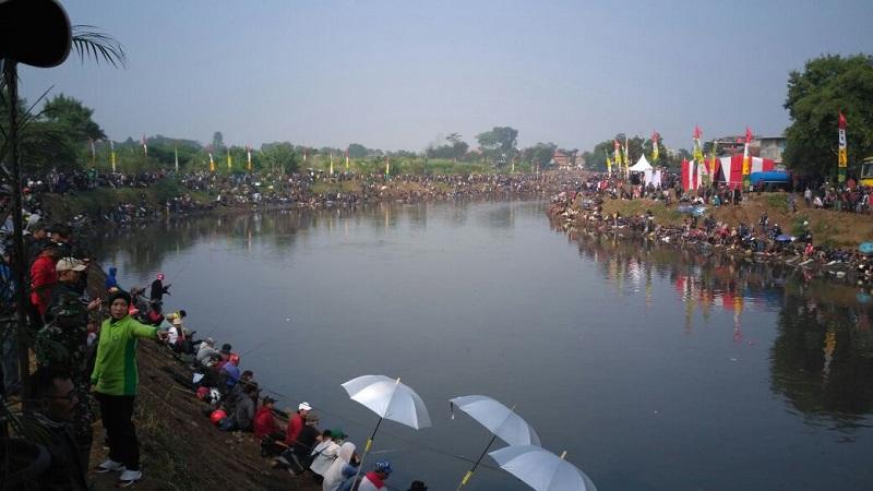 Riuh 72 Ribu Pemancing Kampanyekan Citarum Harum