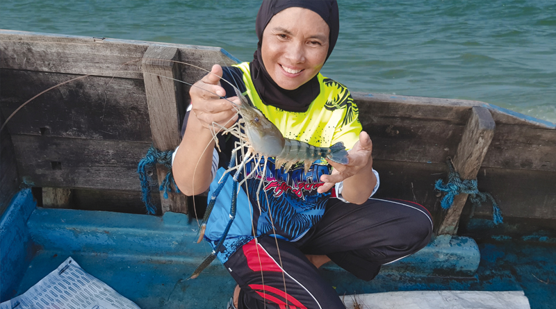 Darmis Yunus: Berburu Udang Sejak Kecil