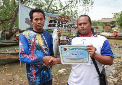 Komunitas Big Barra Bekasi Gelar Mancing Bareng dan Santunan
