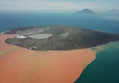 Material Erupsi Bisa Suburkan Laut Sekitar Krakatau