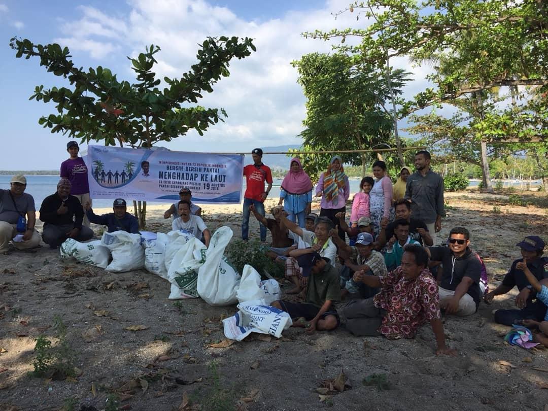 Gerakan Menghadap Laut; Bersihkan Pantai Secara Serentak Di 74 Wilayah