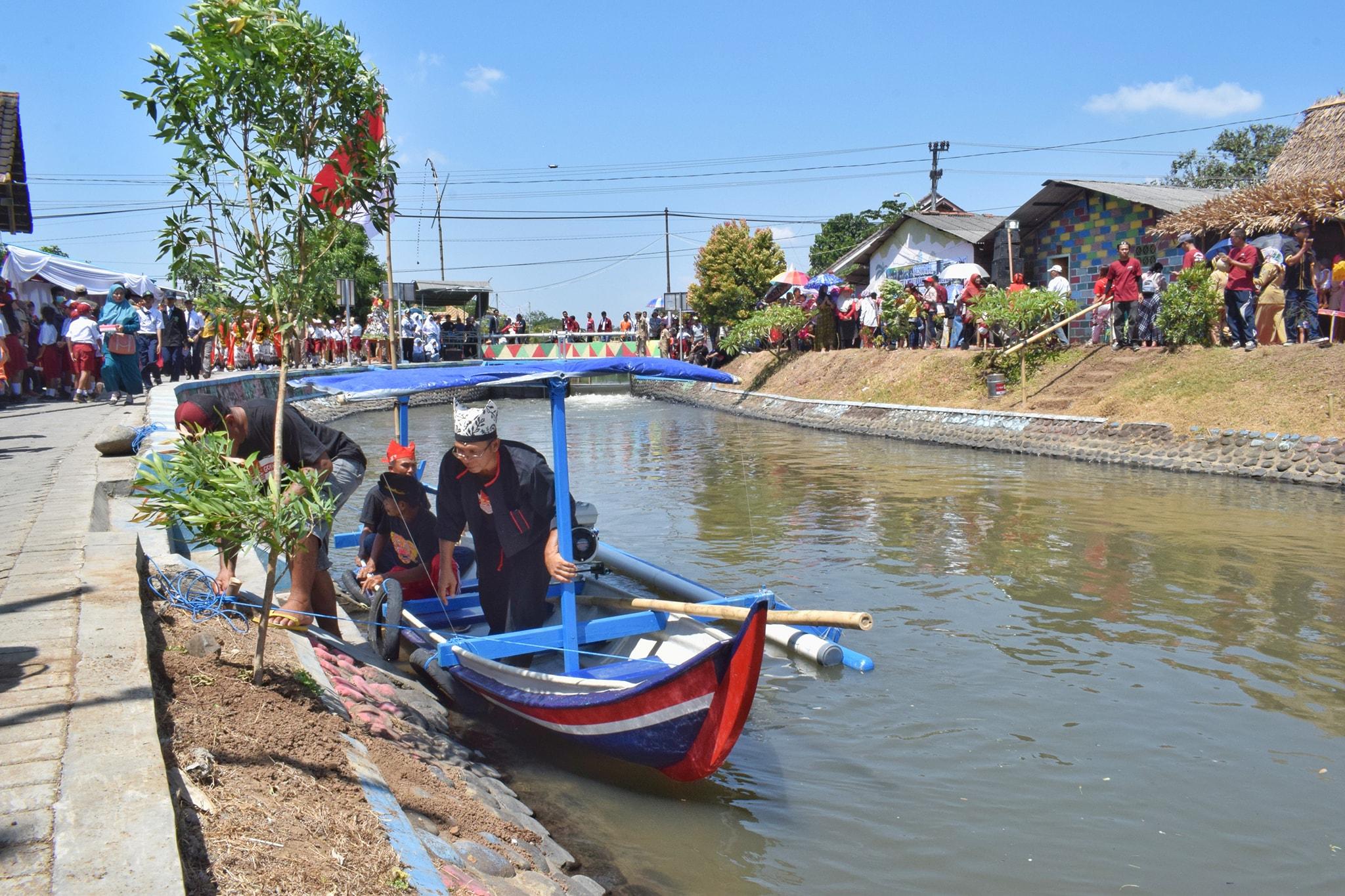 Desa Di Banyuwangi Ubah Sungai Kumuh Jadi Kolam Budidaya Ikan